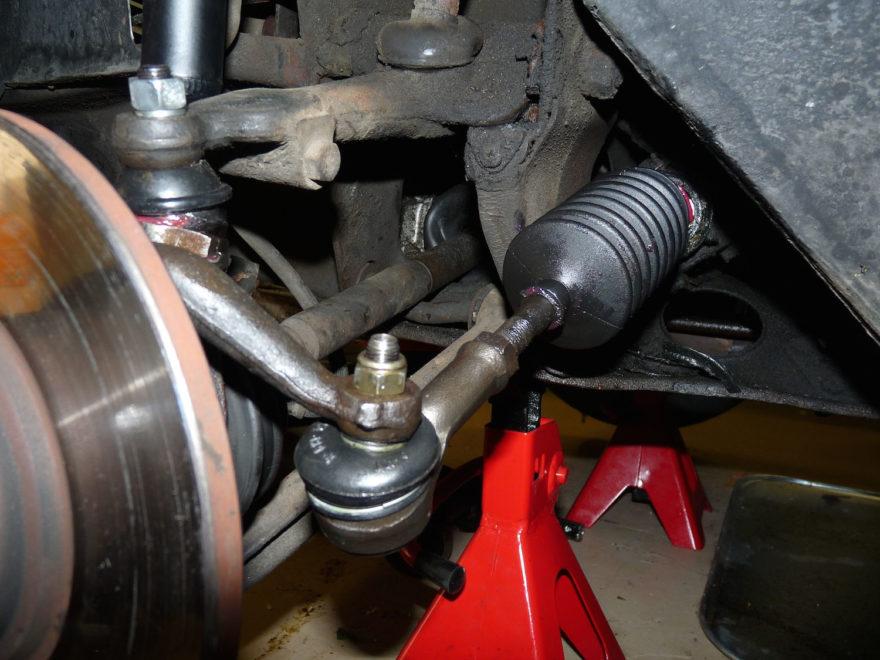 Gejala Kerusakan pada Tie rod atau Kendali Mobil